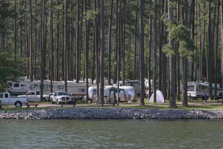 CampingGoosepond.JPG
