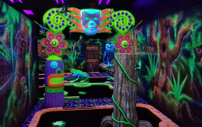 Black Light Putt Putt