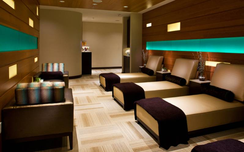Golden Nugget Spa and Salon