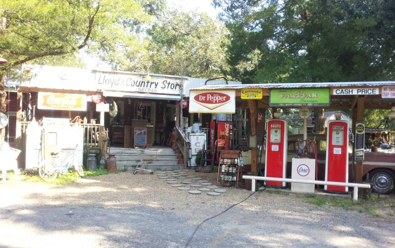Lloyd's Country Store