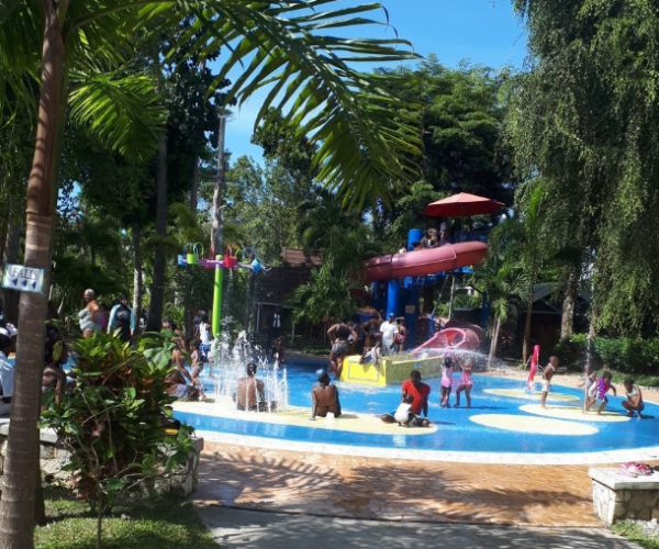 splash pad Dunns river falls and park