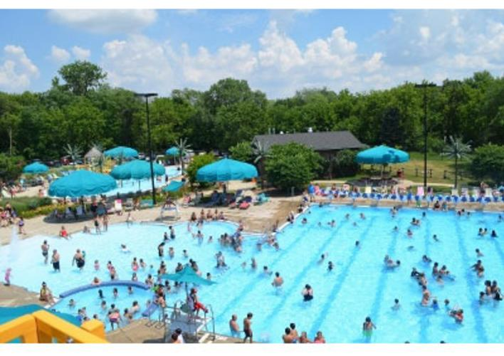 2013-7-Itasca-Waterpark-view-from-slide-PRIMARY.jpg