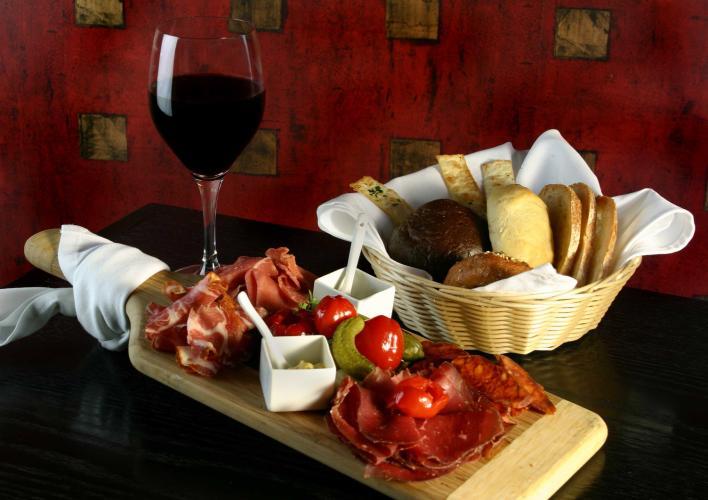 DOC wine bar 05478.jpg