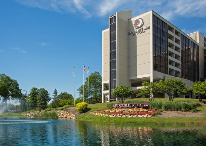 DoubleTree Oak Brook2 - 2017.jpg