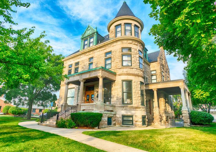 Glos Mansion exterior_HDR.jpg