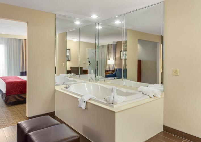 Premium Jacuzzi Suite