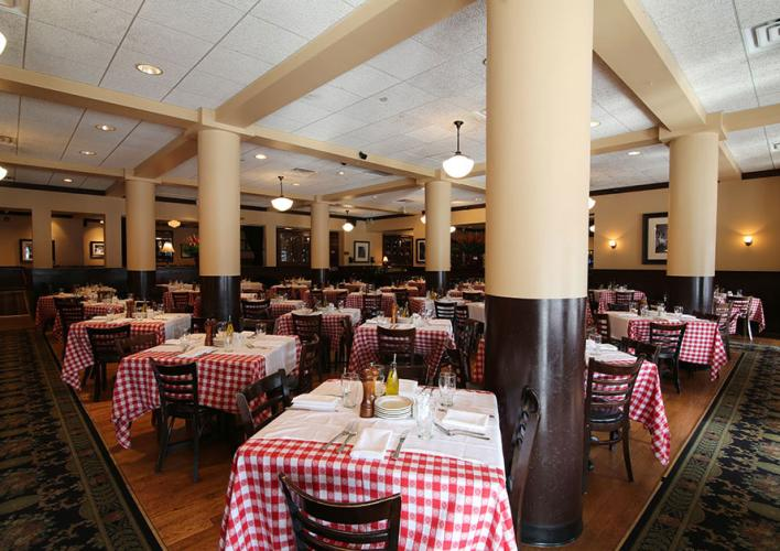 Maggiano'sOAK-BROOK-PRIMARY.jpg