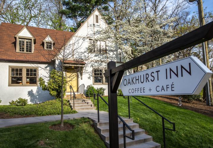 Oakhurst Inn Cafe