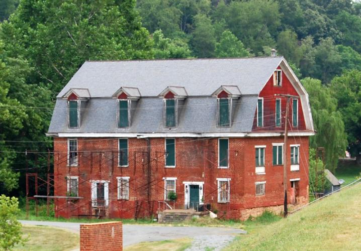The Canal Warehouse- Photo Courtesy of The Scottsville Museum
