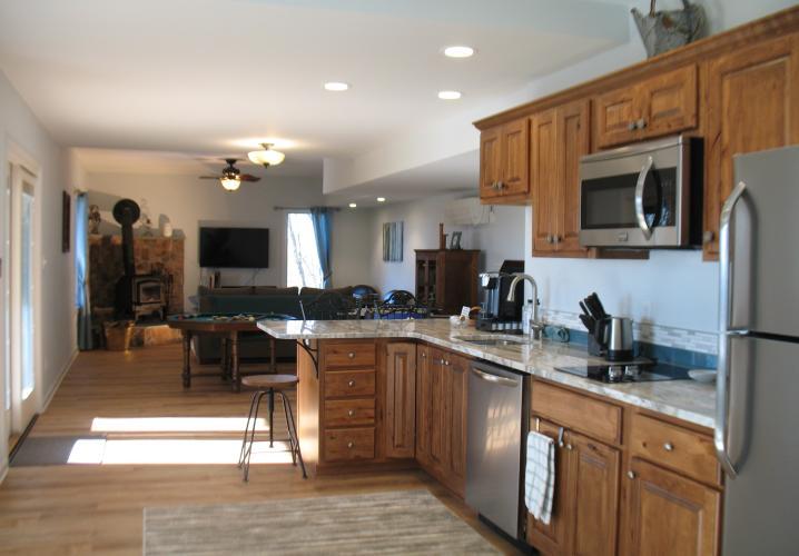 1100 sq ft Apartment