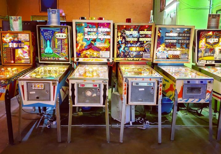 Electromechanical Pinball Machines