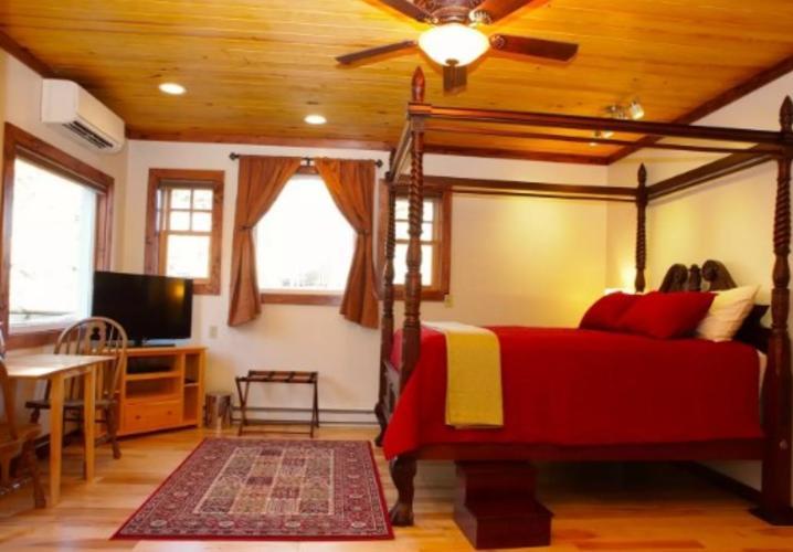 Suite B in the Zen Barn
