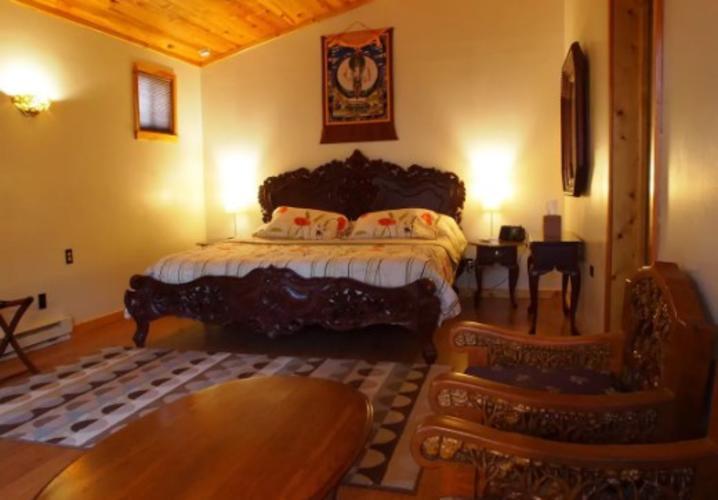 Suite C in the Zen Barn