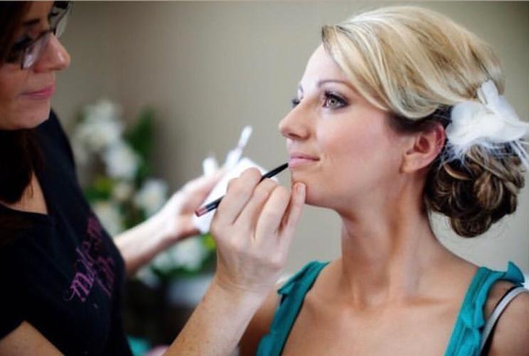 Make Me Fabulous makeup application