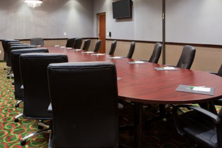 Holiday Inn Eau Claire South Milan Board Room