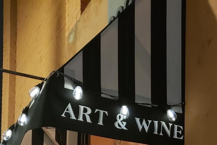200 Main - Art Gallery & Wine Bar