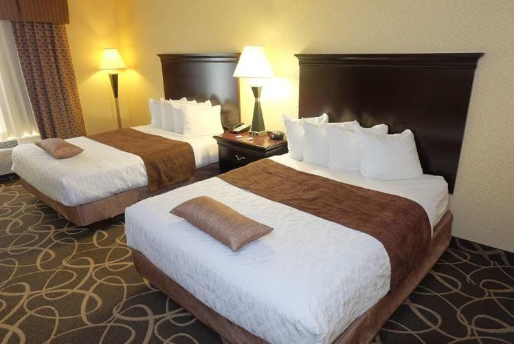 Best Western PLUS – Eau Claire Conference Center Double Queen Room