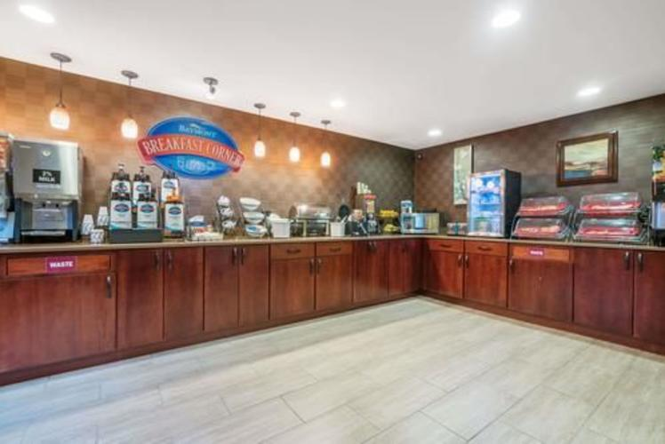 Baymont Breakfast Corner