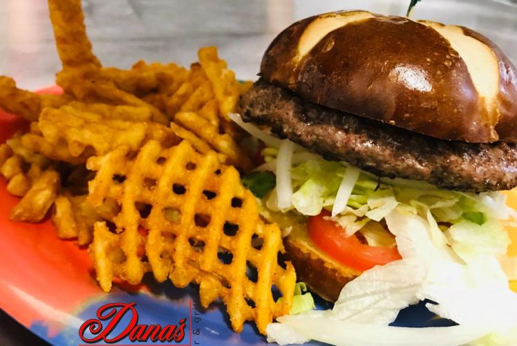 Dana's Grill & Bar Burger