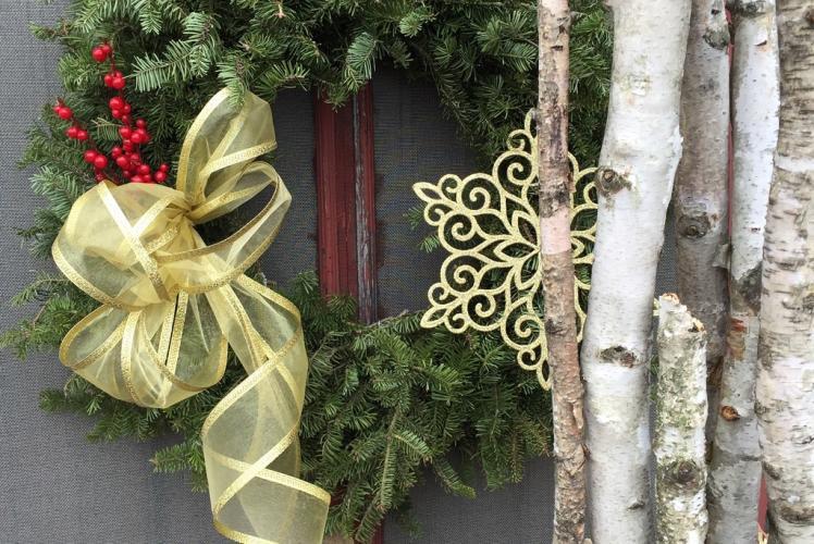 Curvue Hideaway & Trees Tree Farm wreaths in Eau Claire, Wisconsin