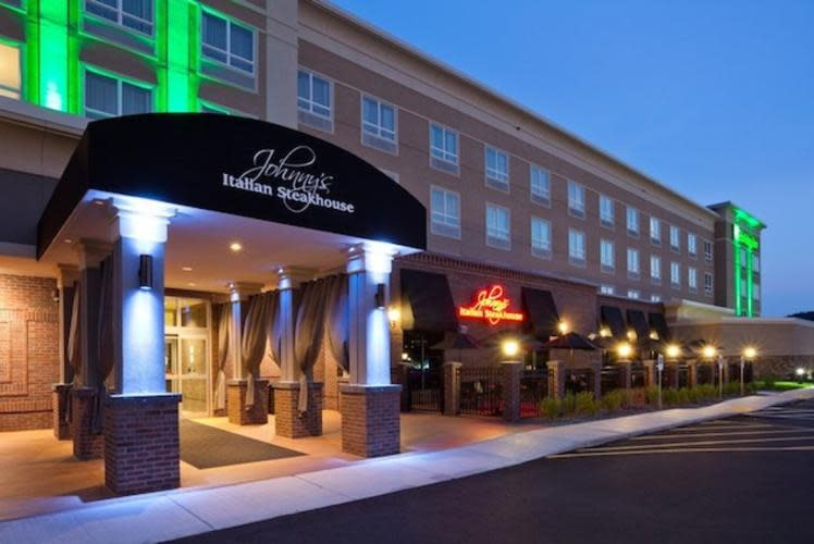 Johnny's Italian Steakhouse Exterior in Eau Claire, Wi