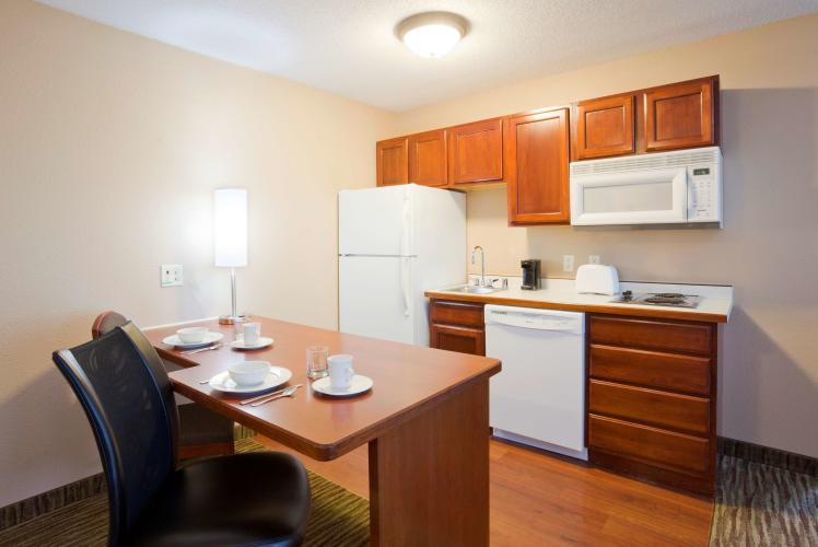 GrandStay Residential Suites Hotel Kitchen