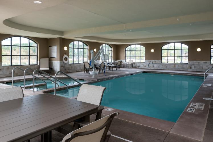 The Pool at Staybridge Suites Eau Claire-Altoona