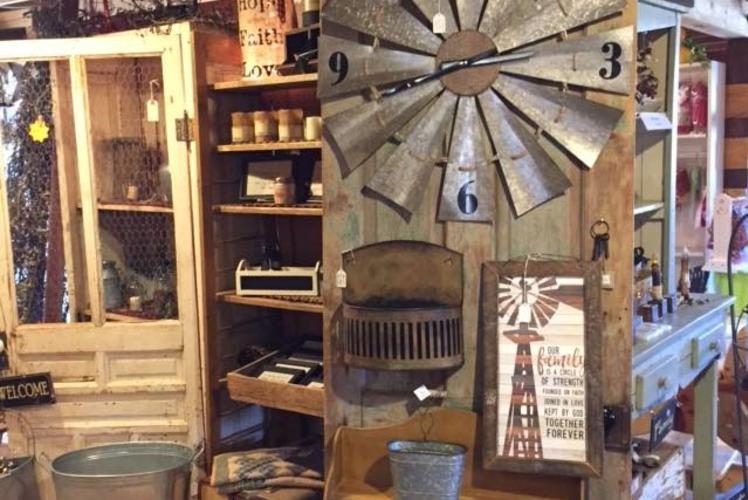 SCHULTZ'S COUNTRY BARN & PUMPKIN PATCH - COUNTRY STORE