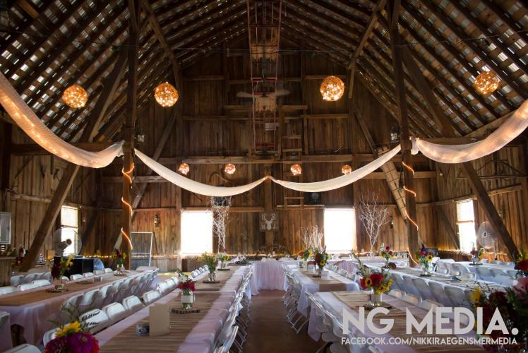 SCHULTZ'S COUNTRY BARN & PUMPKIN PATCH - WEDDING RECEPTION
