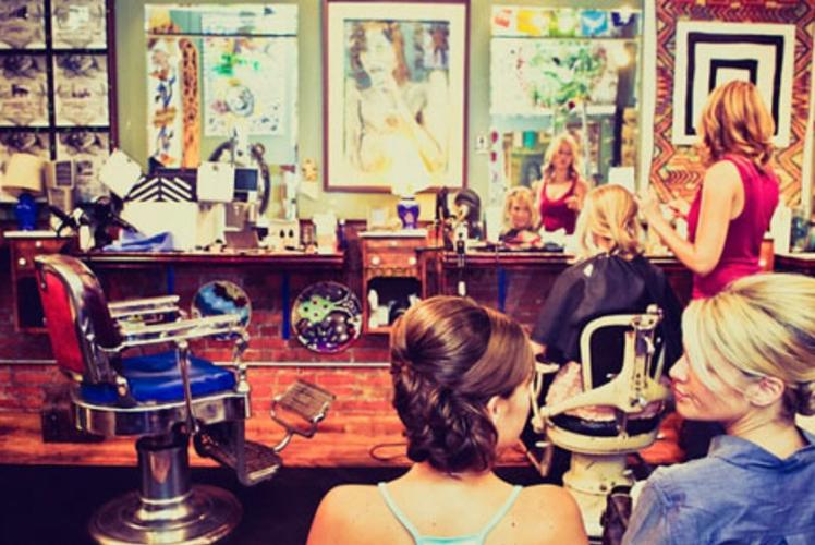 Starr Sister Salon on Water Street in Eau Claire, wisconsin