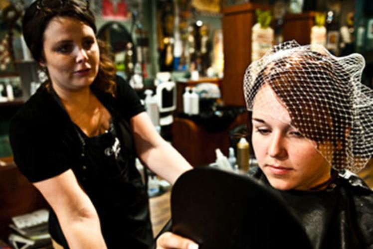 Starr Sister Salon on Water Street in Eau Claire, wisconsin