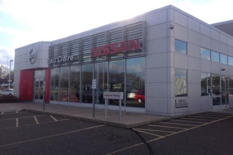 Eau Claire Automotive Group Nissan Service