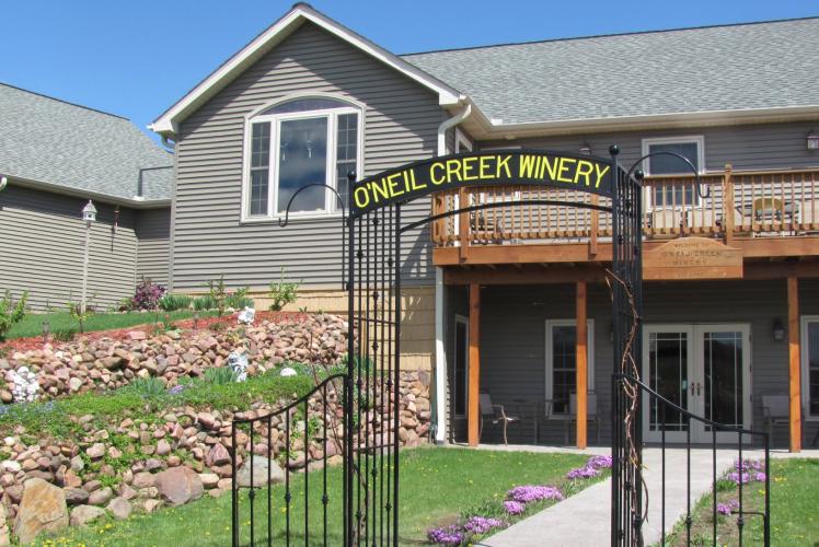 O'Neil Creek Winery Entrance