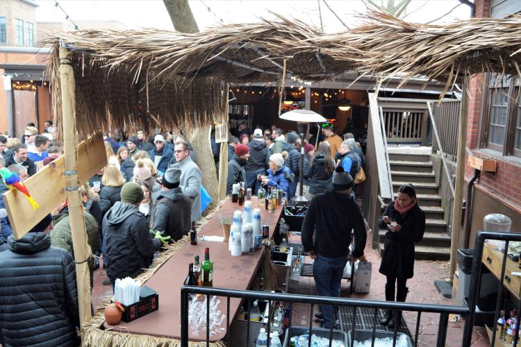 Tiki bar at Sperrys with large crowd