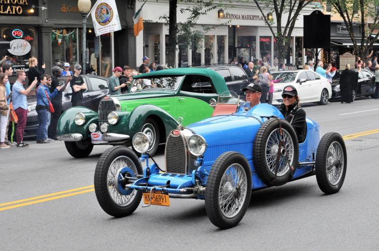 Bugatti parade 2