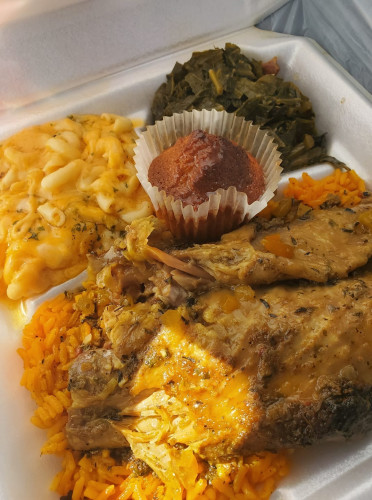 M&R Cafe Southern Cuisine