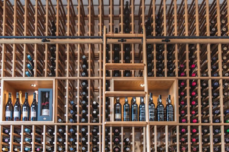 Bern's Fine Wine & Spirits (wall)