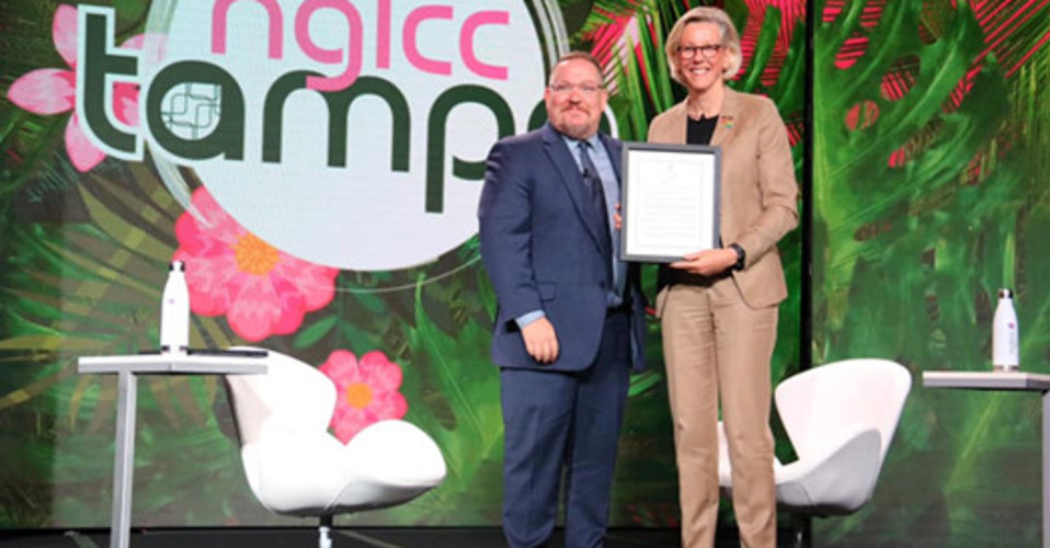 Mayor Castor Proclaiming LGBTBE Certification at NGLCC Conference in Tampa
