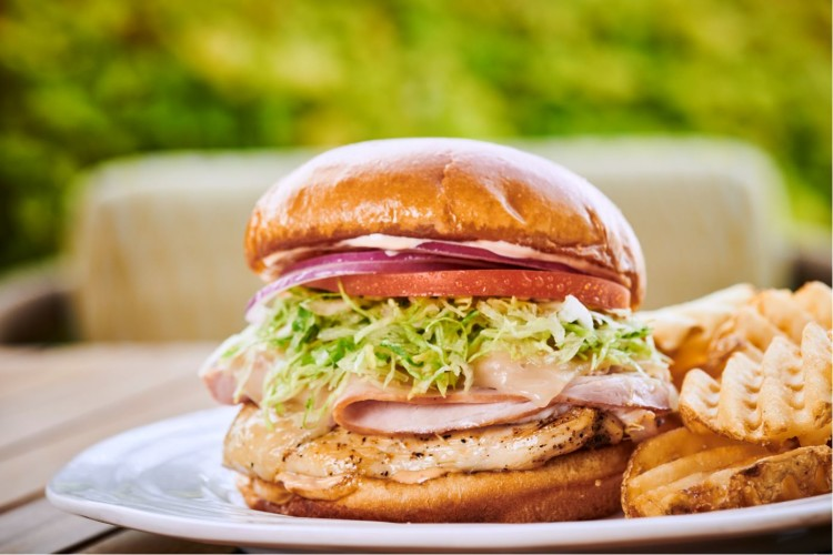 Pool Bar & Grill, Grilled Chicken Sandwich