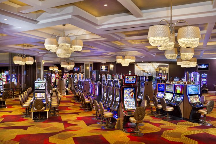 Mezzanine Level Casino: Slots