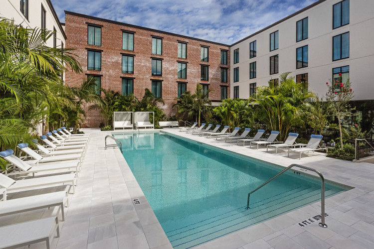 Hotel Haya Pool