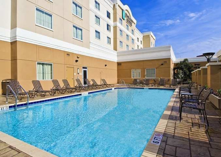 Hotels Tampa Brandon Embassy Suites Pool.jpg