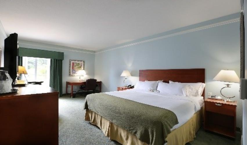 Guest Room - Standard King