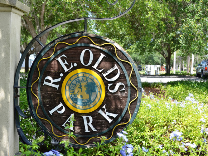 R.E. Olds Park - the first park of Oldsmar offers a fishing pier, playgrounds & entertainment!