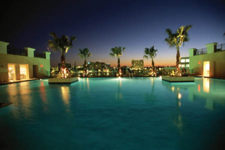 Marriott Waterside Pool
