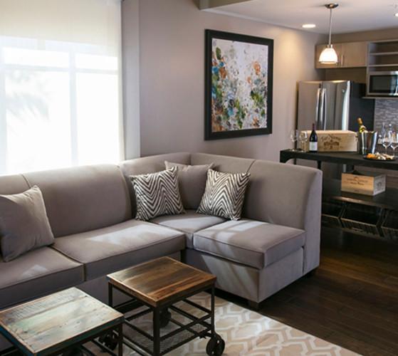 Epicurean - Rooms - Balcony King Suite