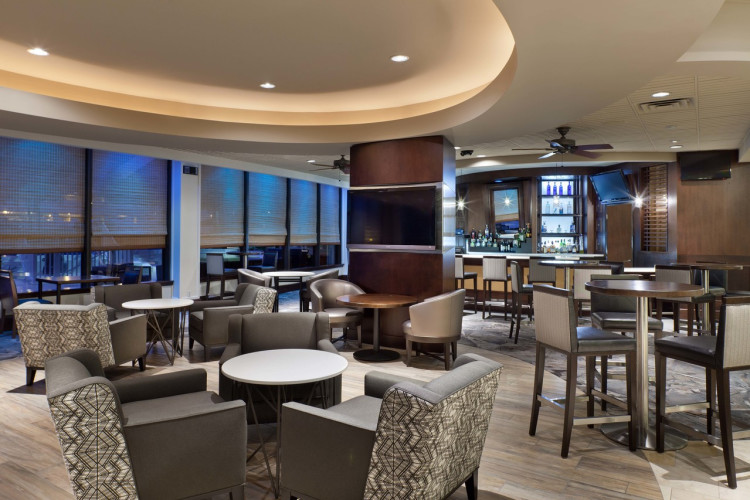 Skyye Bar & Grille