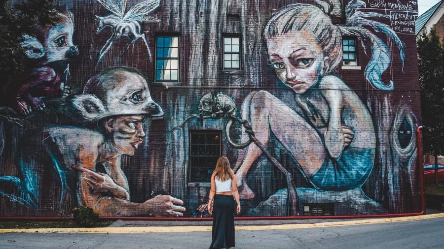 Joelle-Riding-Murals-of-Lexington-story-7sm