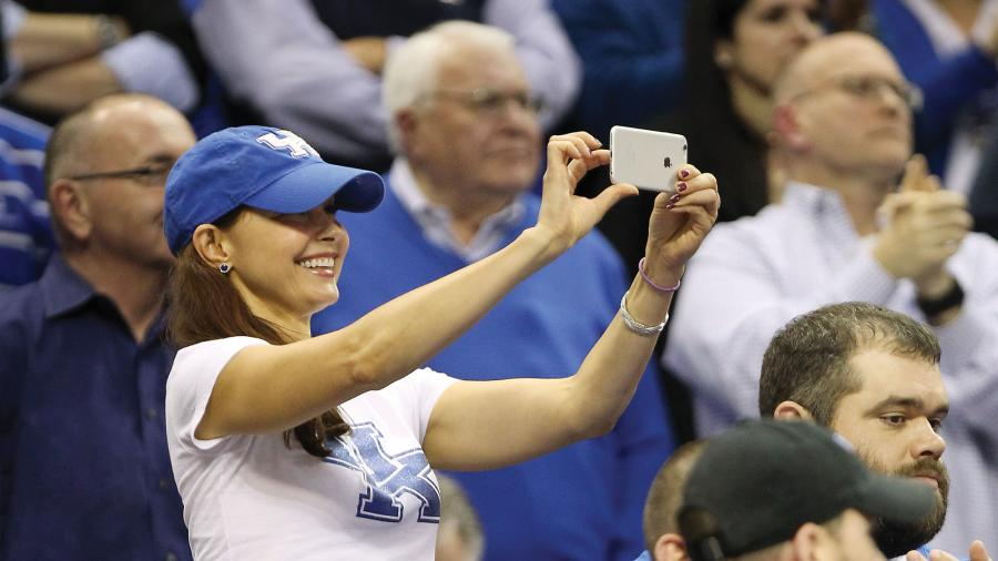 UK_WVU_3-26-15_40_cw_Ashley-Judd_Edit-sms