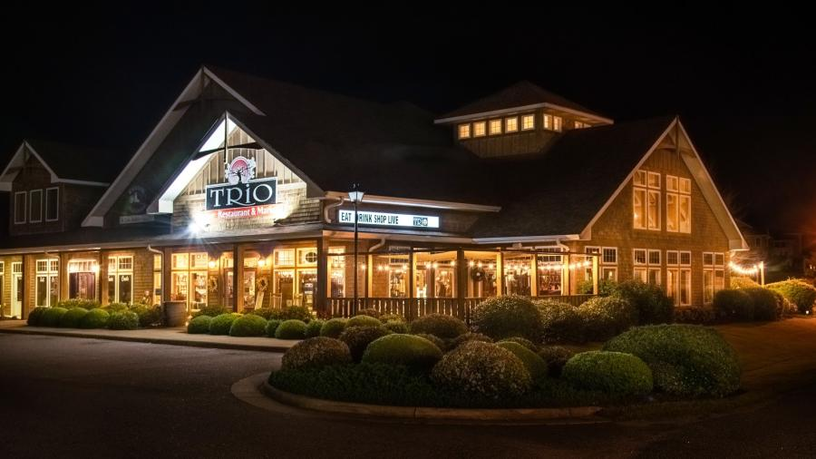 Exterior of TRIO Restaurant and Market in Kitty Hawk, NC
